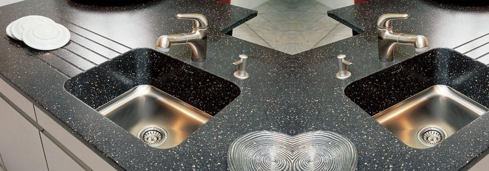 Voulcanics - LGЕдинственная в своем роде серия «Voulcanics» от компании «LG» включает в себя цвета, отличающиеся максимальной натуральностью, глубиной фактуры и блеском, с сохранением всех практических свойств, присущих акриловому камню.В массе камня присутствуют крупные вкрапления из полупрозрачного синтетического материала, в точности имитирующего кварц и обсидиан...